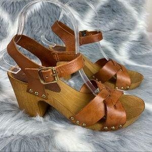 Aldo leather heeled sandals wooden platform Size 7.5
